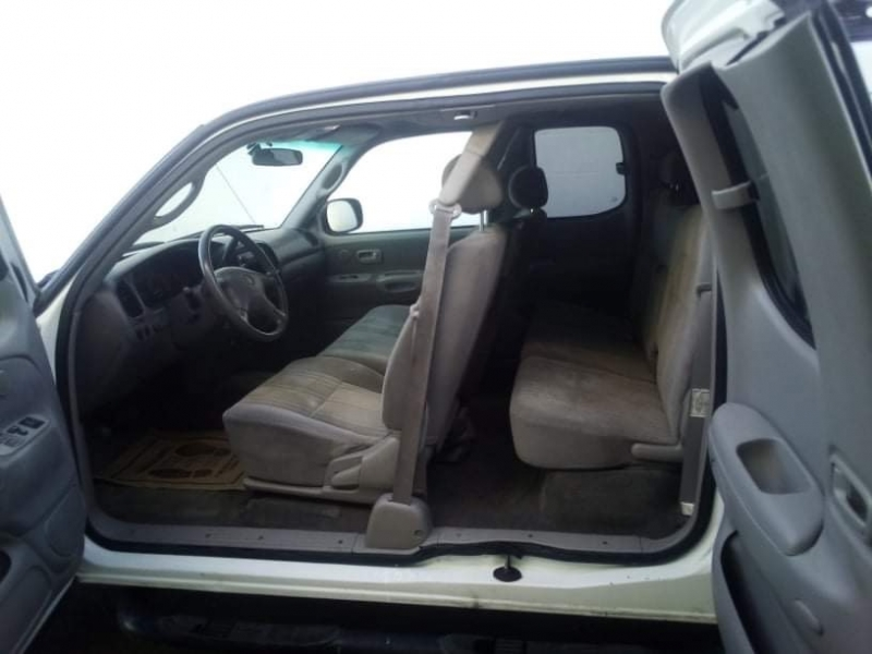 Toyota Tundra 2001 price $5,950