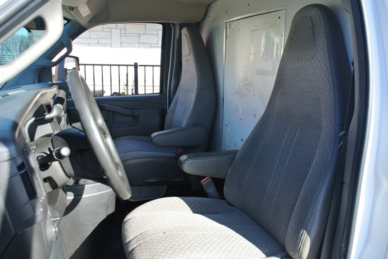 Chevrolet Express Commercial Cutaway 2016 price $12,950
