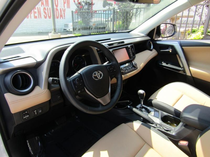 Toyota RAV4 2017 price $23,950