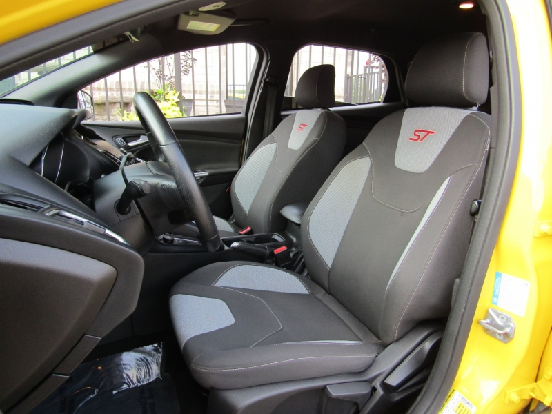 Ford Focus 2018 price $17,995