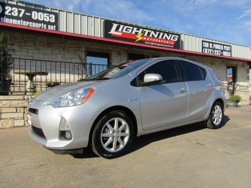Toyota Prius c 2013 price $8,995