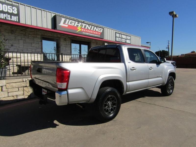 Toyota Tacoma 2017 price $24,950