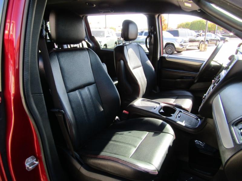 Dodge Grand Caravan 2015 price $11,950
