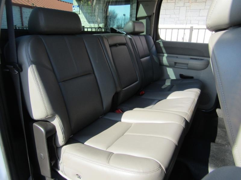 Chevrolet Silverado 2500HD 2011 price $13,950