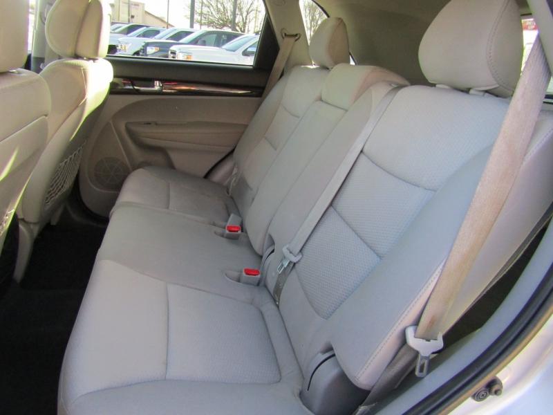 Kia Sorento 2012 price $7,950