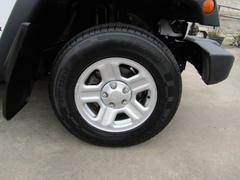 Jeep Wrangler Unlimited 2015 price $22,950