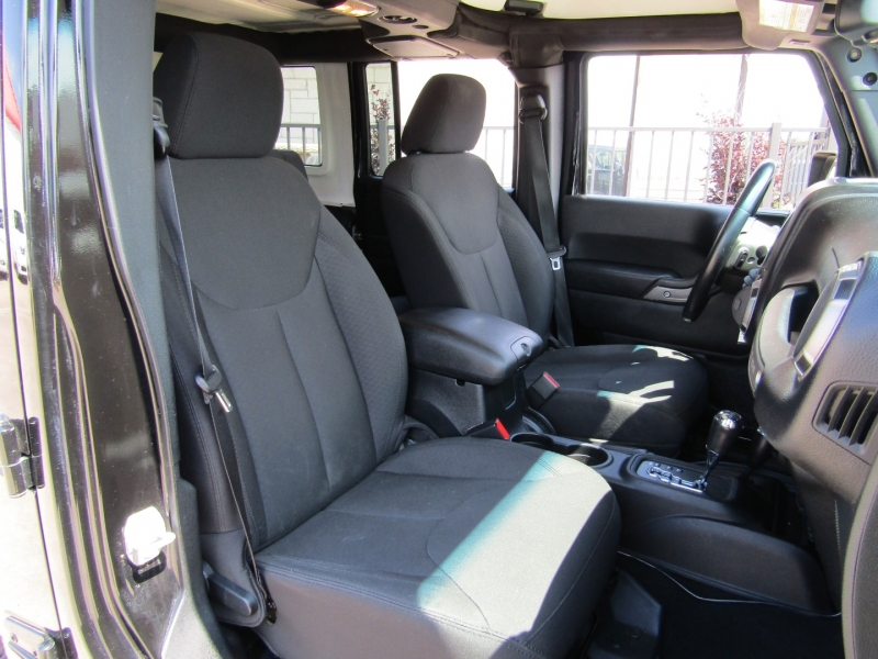 Jeep Wrangler Unlimited 2015 price $26,950