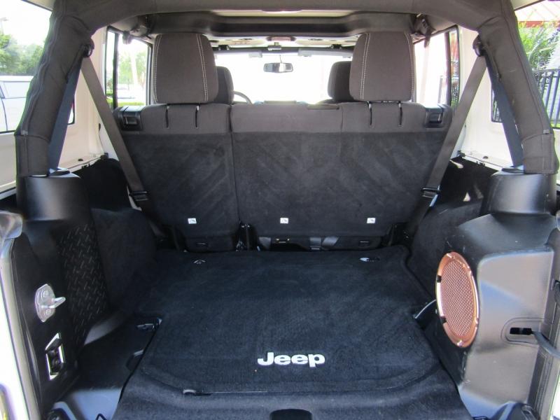 Jeep Wrangler Unlimited 2014 price $31,950