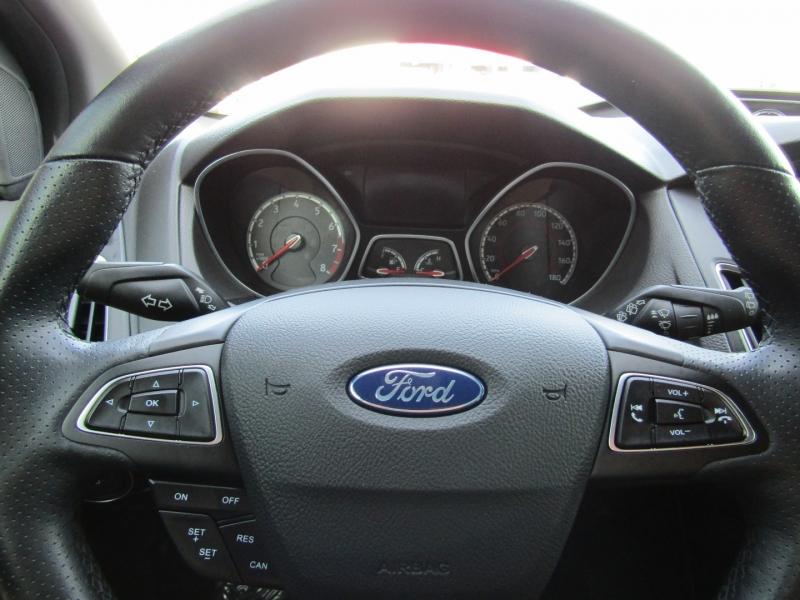 Ford Focus 2017 price $23,950