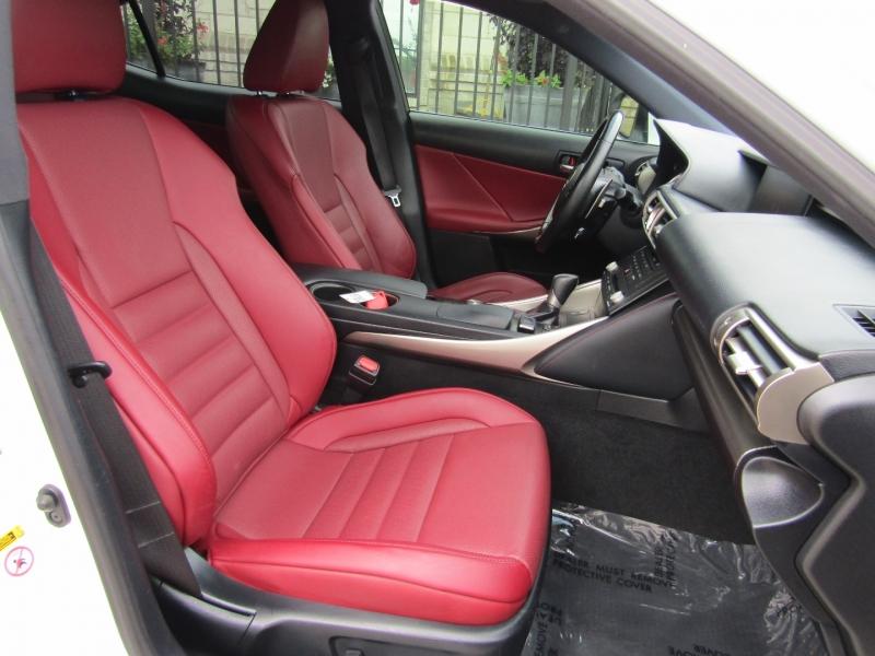 Lexus IS 350 2016 price $28,950