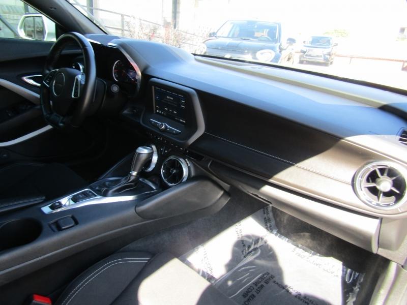 Chevrolet Camaro 2019 price $25,950