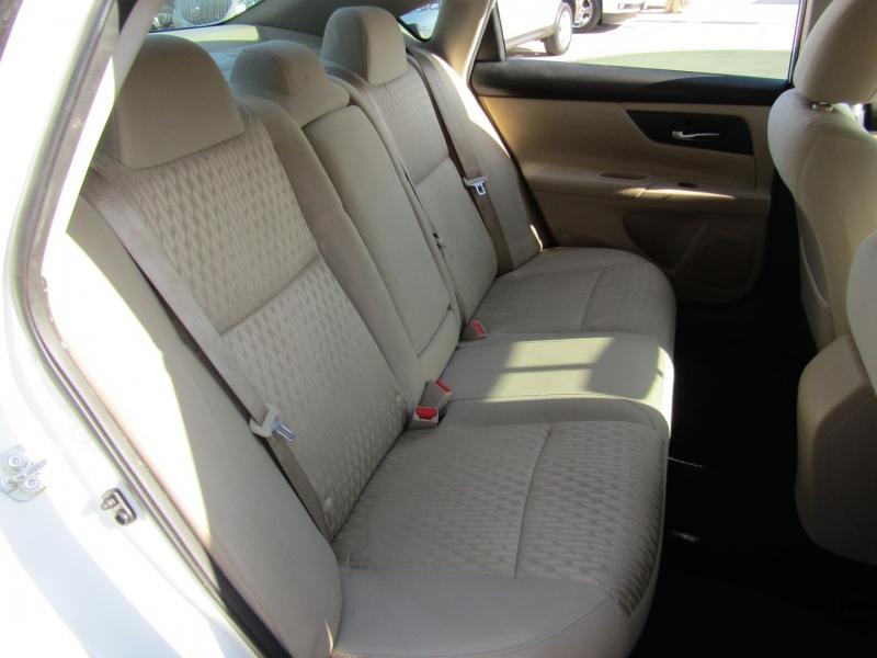Nissan Altima 2017 price $16,950