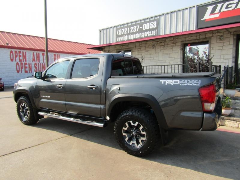 Toyota Tacoma 2016 price $32,950