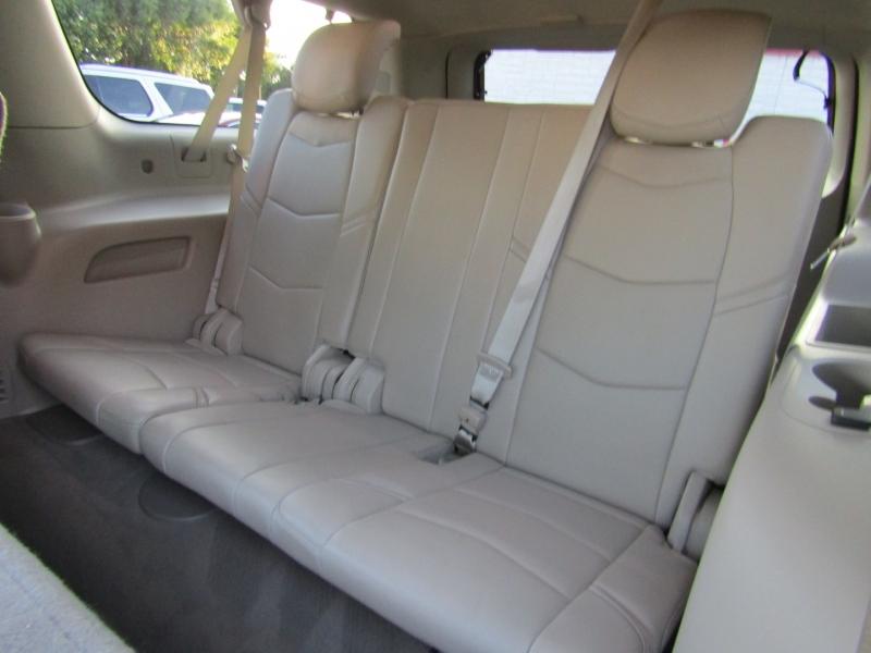 Cadillac Escalade ESV 2015 price $38,850
