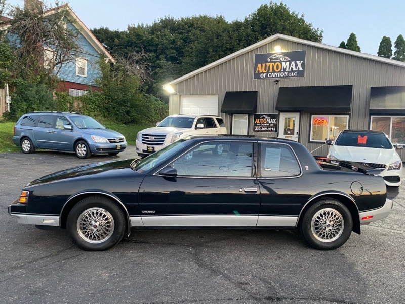 OLDSMOBILE TORONADO 1988 price $7,500