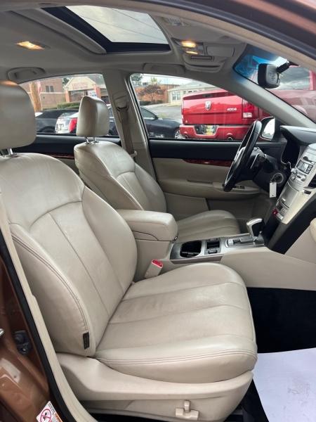 SUBARU LEGACY 2011 price $8,000