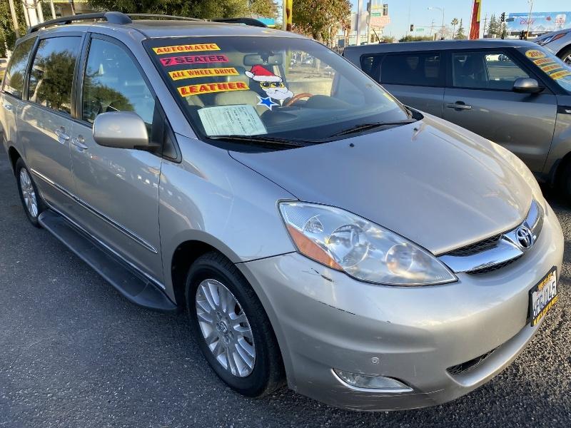 Toyota Sienna 2008 price $11,995