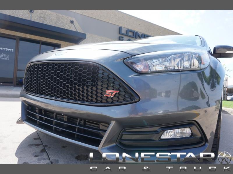 Ford Focus 2017 price $19,995