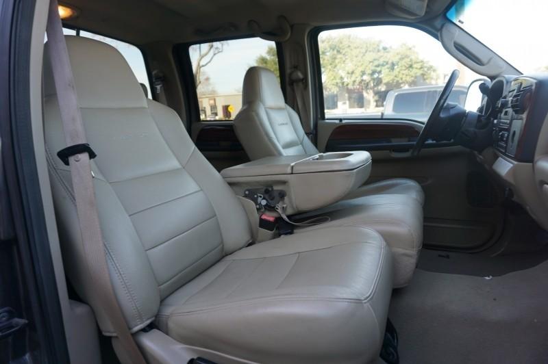 Ford Super Duty F-250 2006 price $12,995