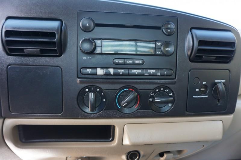 Ford Super Duty F-450 DRW 2005 price $14,995