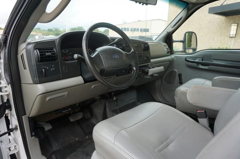 Ford Super Duty F-550 DRW 2006 price $18,995