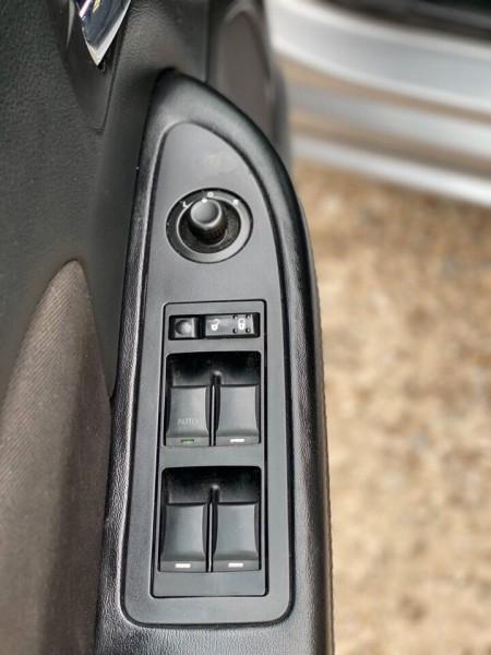 Chrysler 200 2014 price $5,990