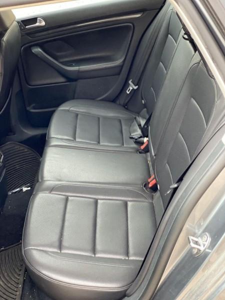 Volkswagen Jetta 2011 price $8,990