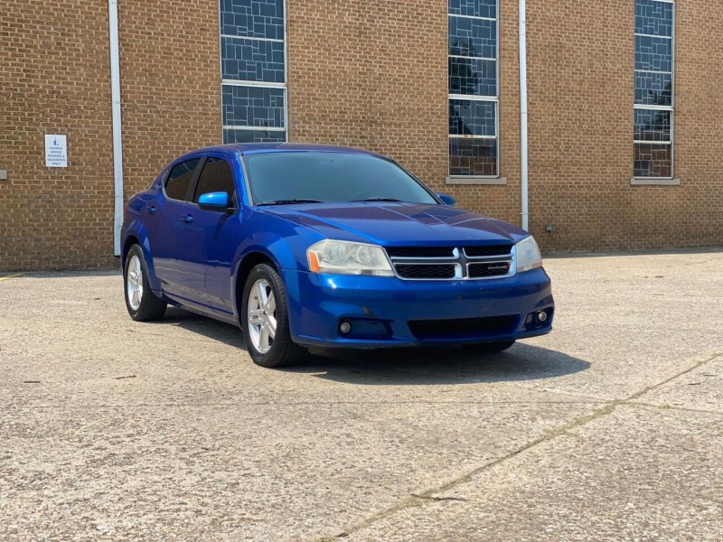 Dodge Avenger 2013 price $4,990
