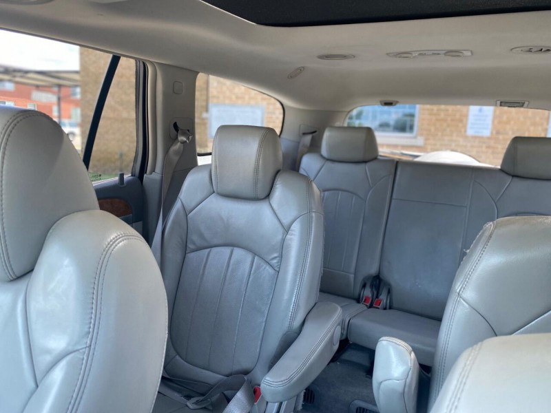Buick Enclave 2009 price $6,990