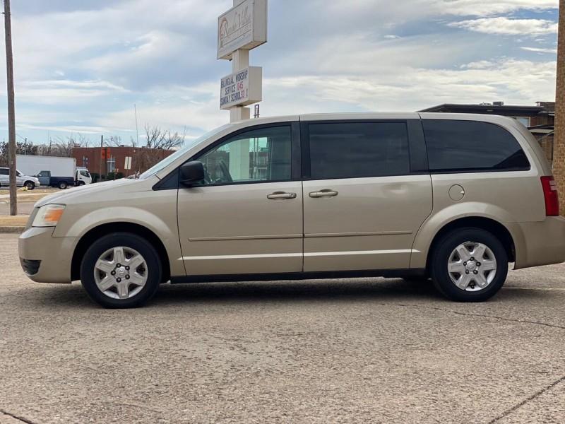 Dodge Grand Caravan 2009 price $4,500