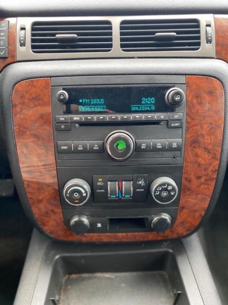 Chevrolet Avalanche 2008 price $13,990