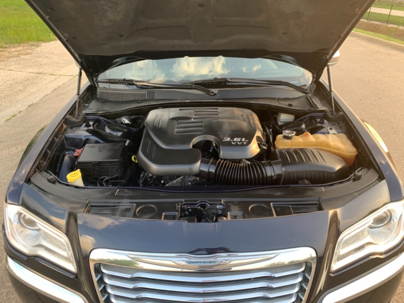 Chrysler 300 2012 price $6,995