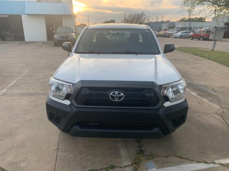 Toyota Tacoma 2015 price $13,995