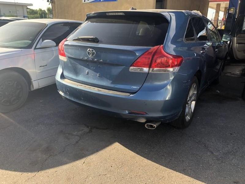 Toyota Venza 2010 price $9,999