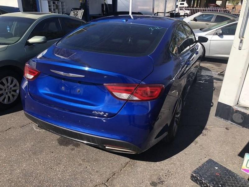 Chrysler 200 2015 price $8,299