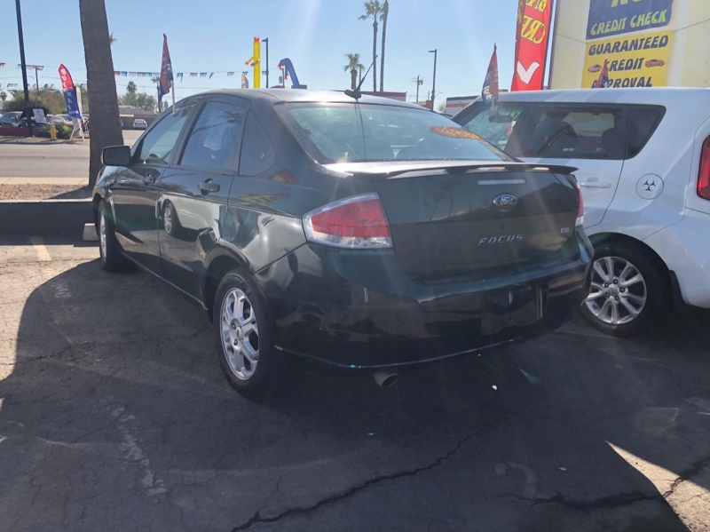 Ford Focus 2009 price $2,000 Down