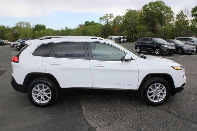 Jeep Cherokee 2017 price $18,797