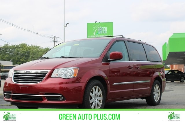 Chrysler Town & Country 2016 price $15,997