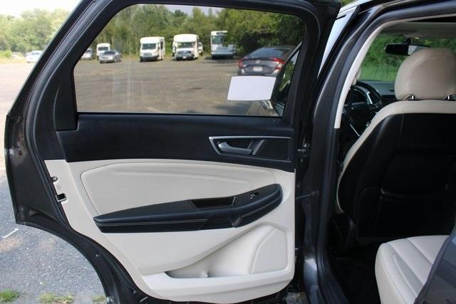 Ford Edge 2015 price $19,377