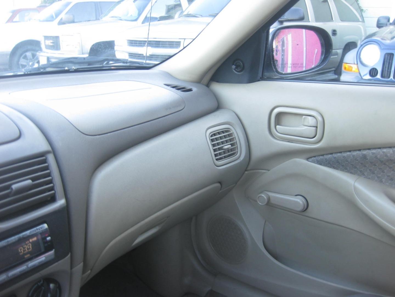 2000 Nissan Sentra 4dr Sdn Xe Auto Credit Mundo Dealership In Winnetka