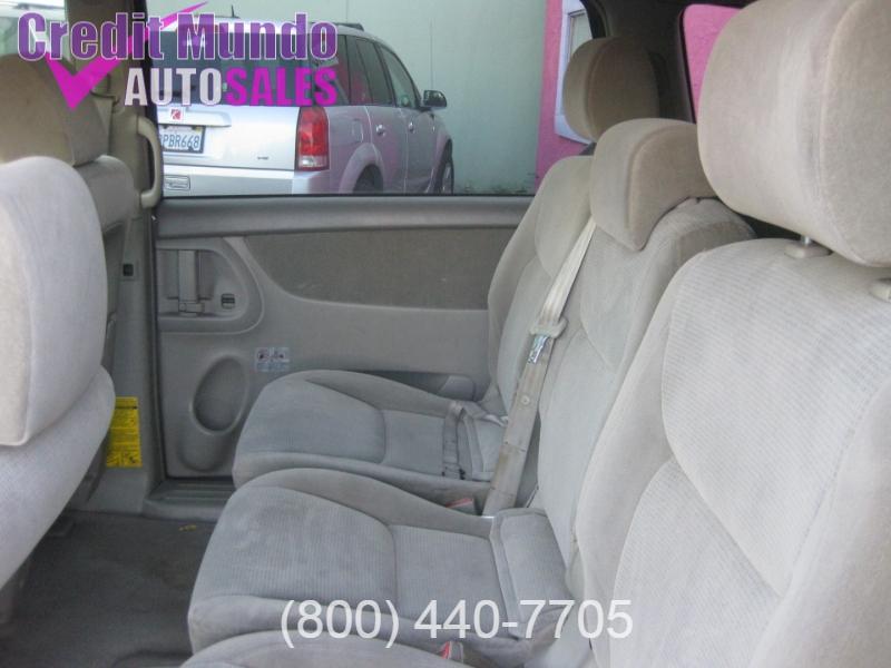 Toyota Sienna 2004 price $4,988
