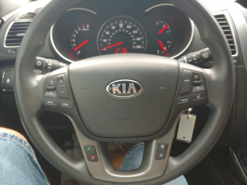 Kia Sorento 2015 price $13,995