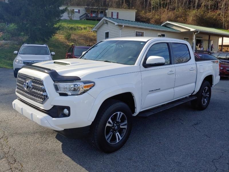 Toyota Tacoma 2017 price $28,995