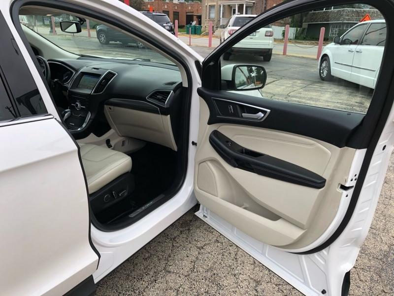 Ford Edge 2017 price $21,995