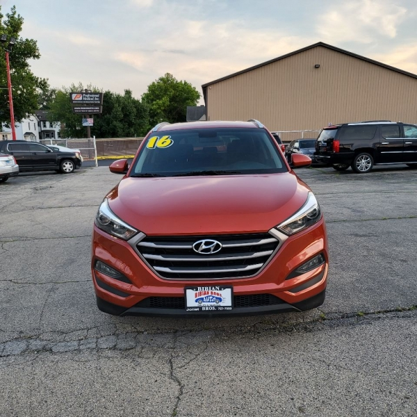 Hyundai Tucson 2016 price $18,995