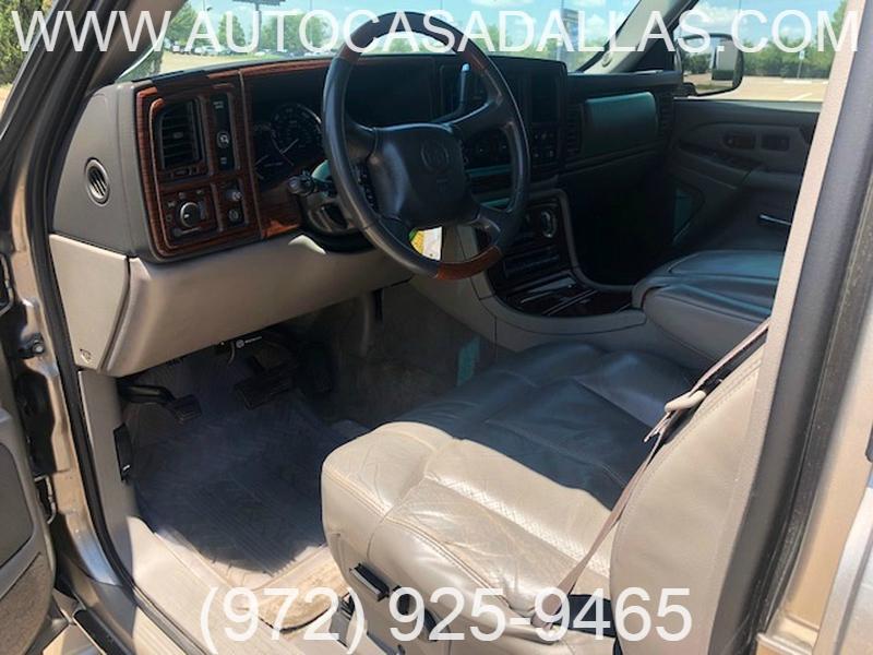 Cadillac Escalade 2002 price $7,981