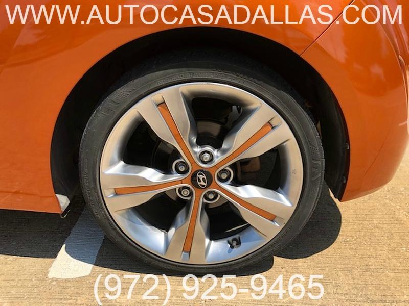Hyundai Veloster 2013 price $9,975