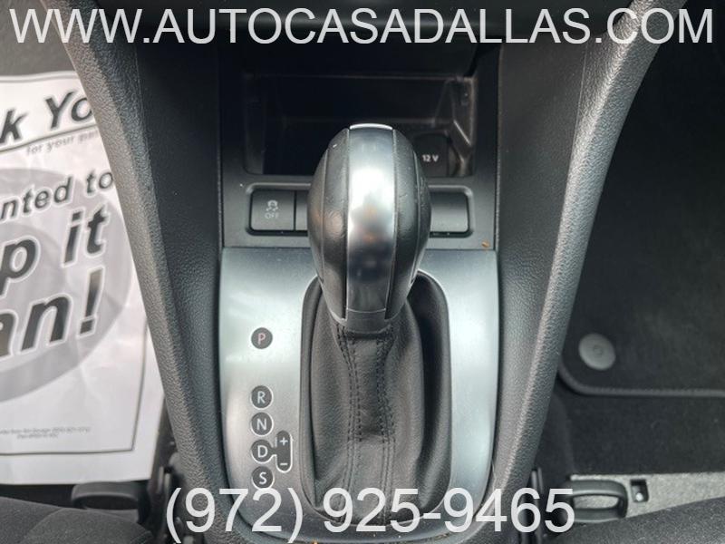 Volkswagen Golf 2013 price $8,588