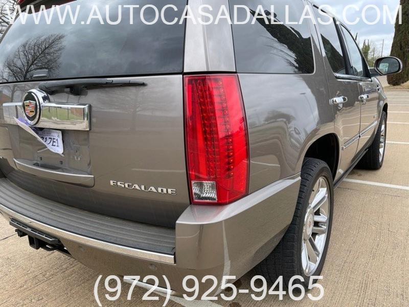Cadillac Escalade 2012 price $21,988