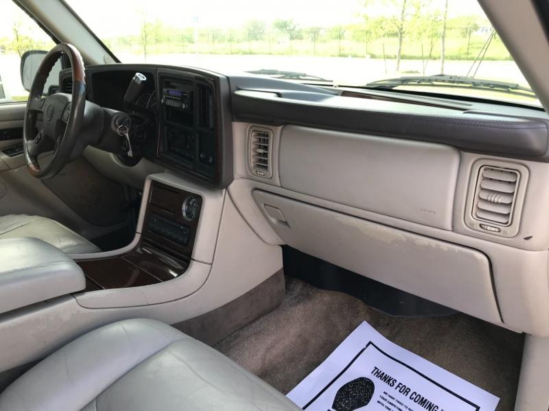 Cadillac Escalade 2003 price $5,550